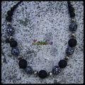 collier noir blanc