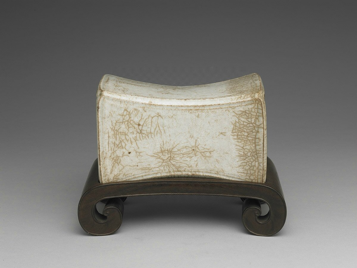 Pillow with incised wave pattern in shadowy blue glaze, Northern Song Dynasty (11th-12th century)