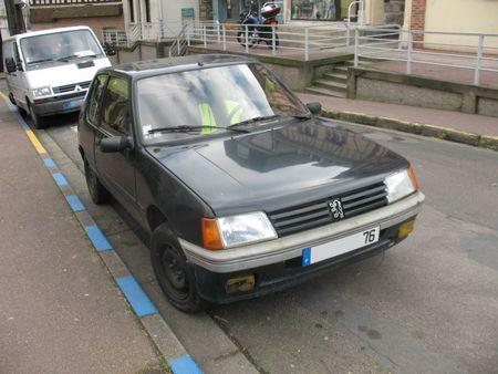 Peugeot205av