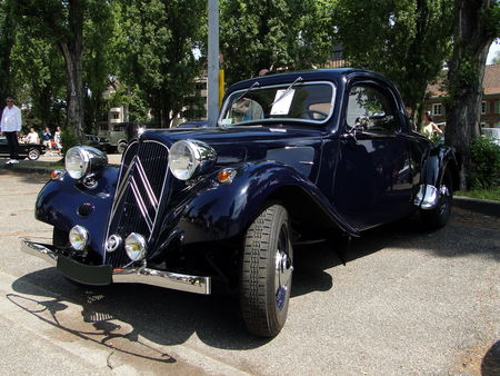 CITROEN Traction Coupe Retrorencard 1