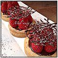 Tartelettes aux fraises crème chocolat fève tonka