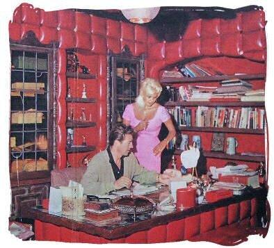 jayne_pink_palace-inside-office-01-1