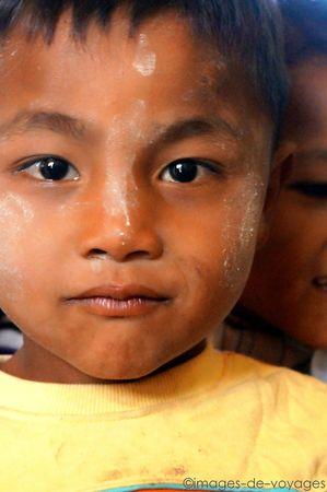 Enfant Lake Inle - Myanmar (Birmanie)