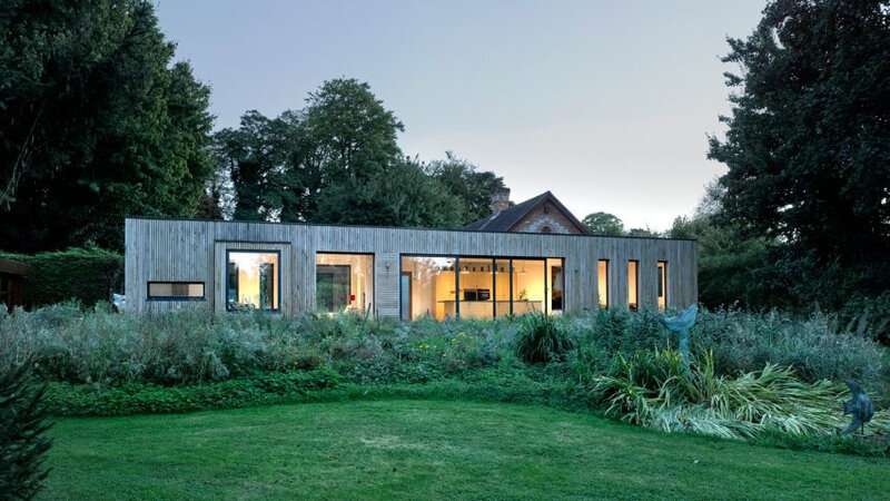 hurdle-house-barn-extension-residential-architecture-adam-knibb-architects-hampshire-england-uk_dezeen_hero-852x479