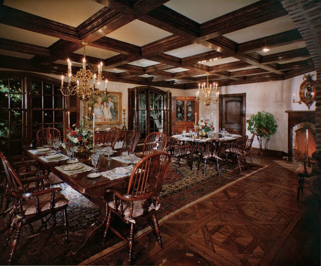 Neverland-house-Dining-room-neverland-valley-ranch-19500496-670-555