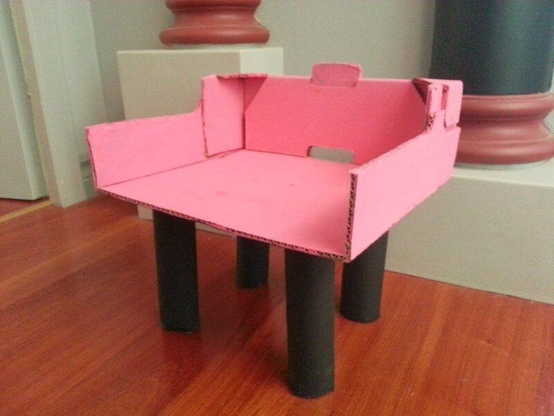 ma chaise en carton extra ordinaire le blog de lily. Black Bedroom Furniture Sets. Home Design Ideas