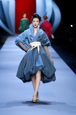 women_Dior_HC_SS2011_Look_14