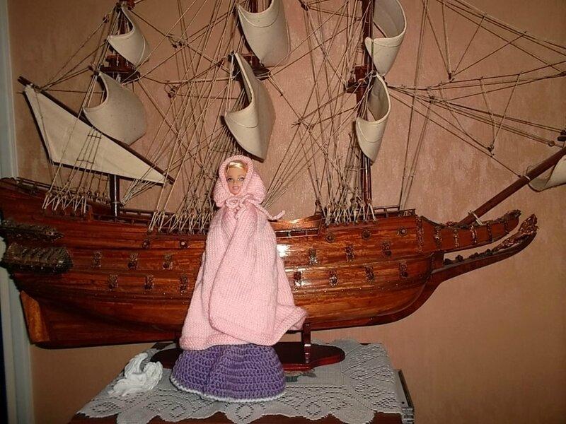 Barbie et sa jolie cape rose
