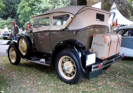 Ford_type_A_180_phaeton_de_1930_02