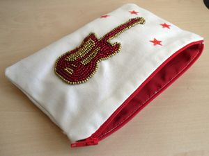 Red_guitar_zip_pouch_9