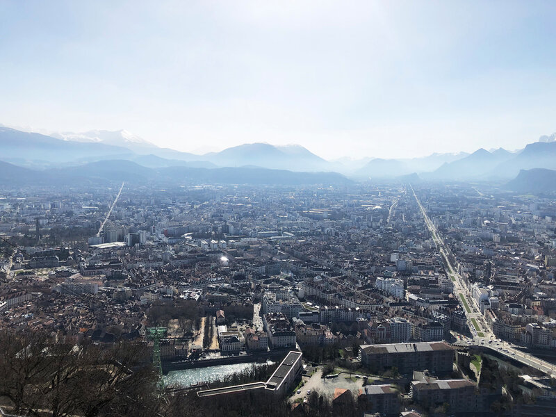 montagne-view-family-Grenoble-les-oeufs-My-love-ma-rue-bric-a-brac