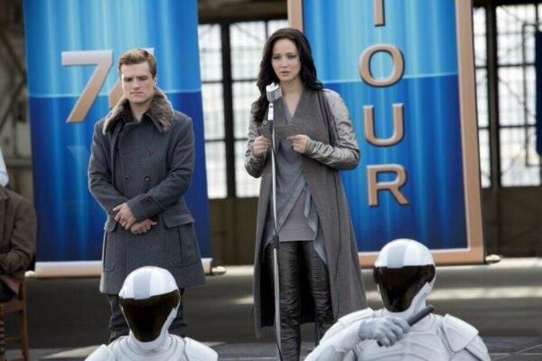 Peeta and Katniss 02 Catching Fire