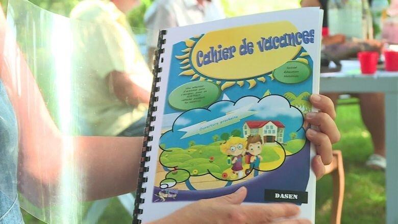 saint_hellier_se_bat_pour_avoir_un_instituteur-4364092