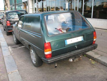 Peugeot305fgar