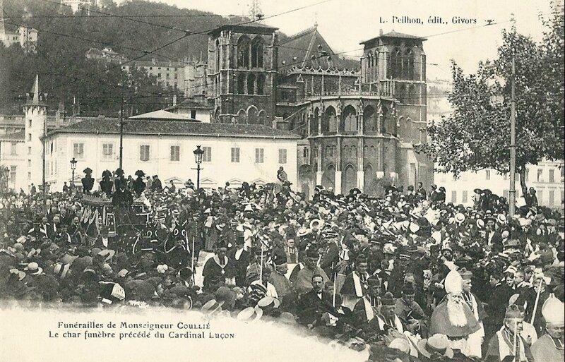 char funèbre 1912 avec cardinal Luçon