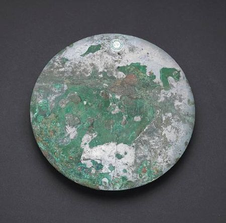 Two_early_bronze_mirrors2