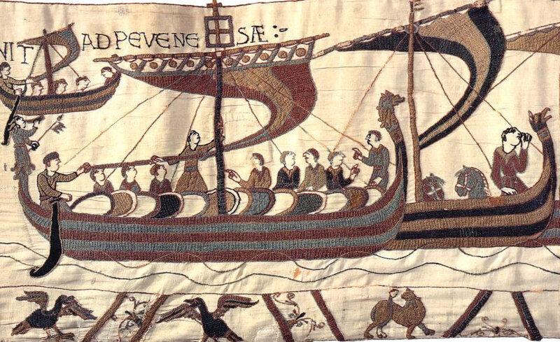 Le vaisseau qui devait transporter en Angleterre Guillaume le Conquérant lui fut offert par la duchesse Mathilde et se nommait « Mora »