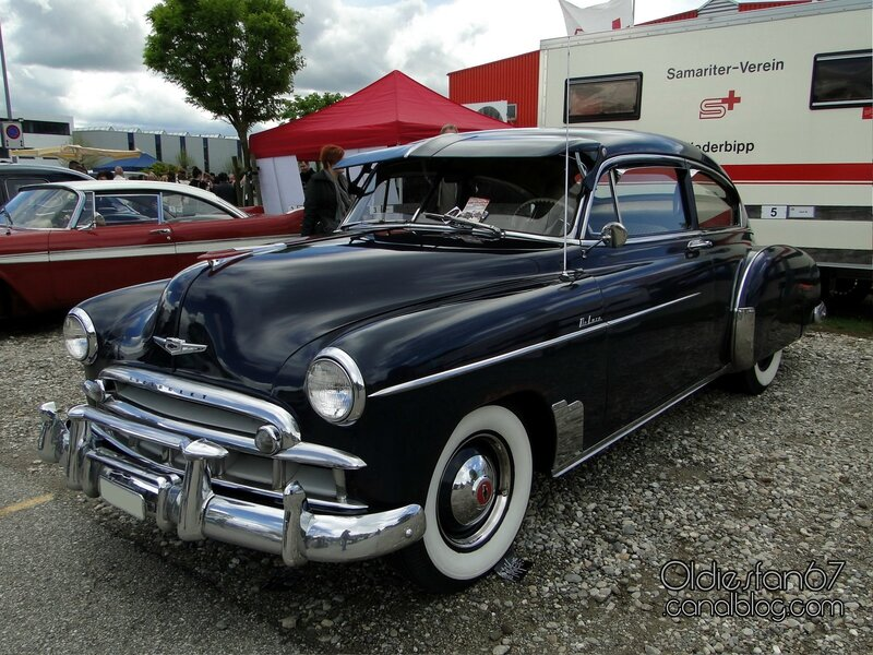 chevrolet-fleetline-deluxe-2door-sedan-1949-01