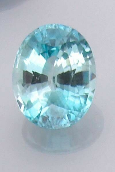 Blue Zircon,Cambodia/Cambodge