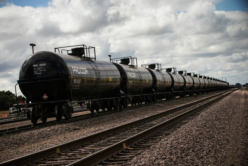 Photo-the-dark-side-North_Dakota_Oil_Drilling_005-XLXX
