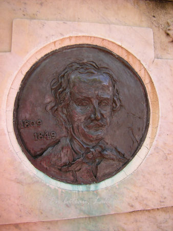 Baltimore_Edgar_Poe_Bronze_tombeau