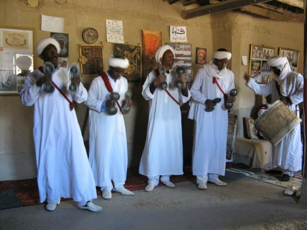 Arrêt dans un village de musiciens