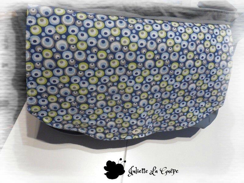 besace grise étoile ronds bleu 3