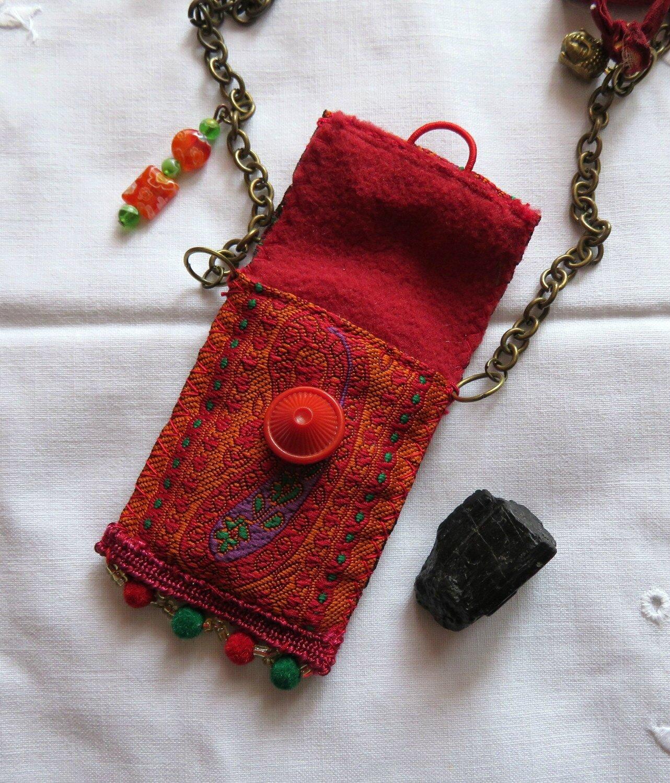 amulette tourmaline noire (détail)