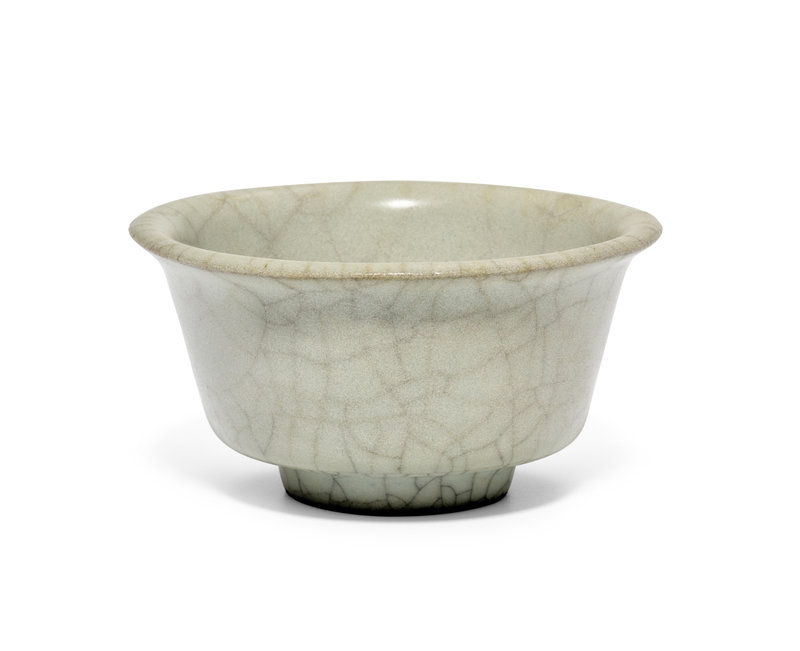 A Ge-type small cup, Yuan-Ming dynasty (1279-1644)