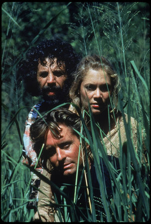romancing_the_stone_movie_image_michael_douglas_and_kathleen_turner__1_