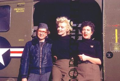 1954-02-18-korea-2nd_division-helico-with_jean_girl-2