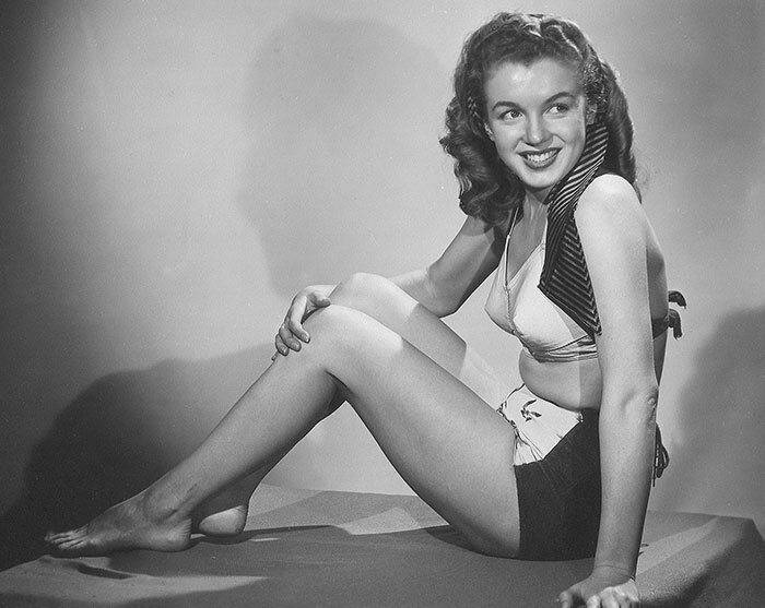 1945-Farr_Hueth_studio-model-bikini_bird-022-1a