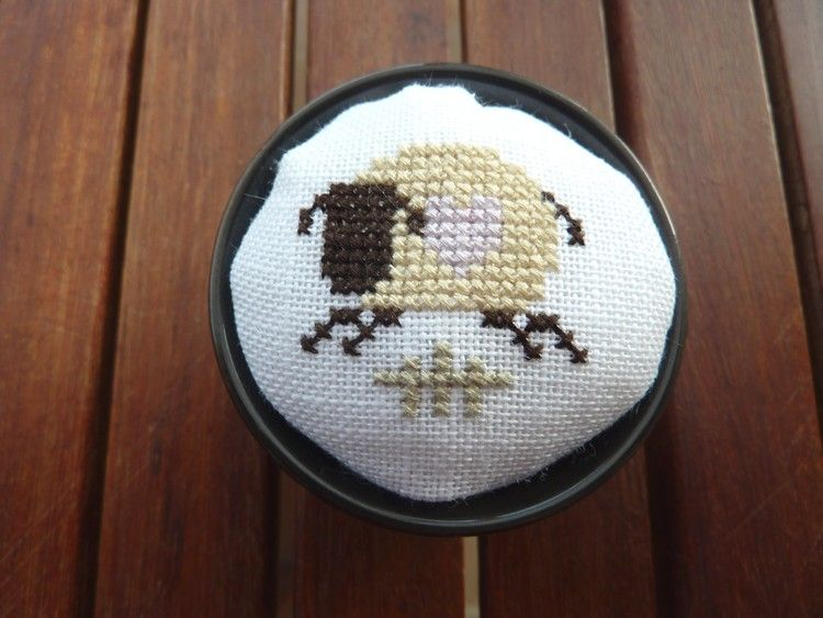Pique-aiguilles mouton (pour Corinne D.)