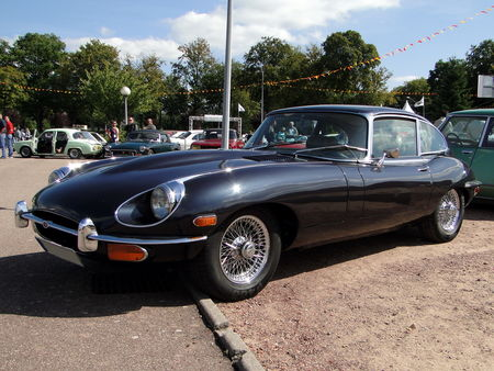 JAGUAR E Type 4,2 Series II Coupe version US 1970 Bourse de Crehange 2009 1