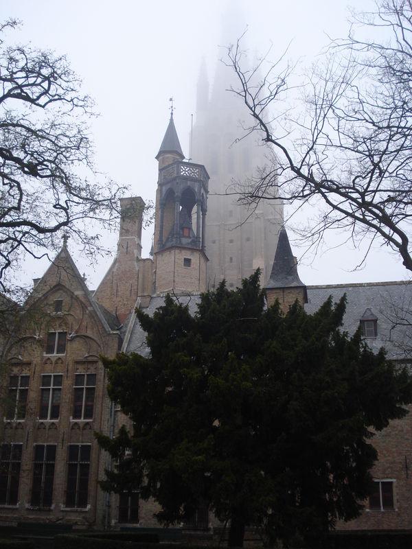 Bruges, dans le jardin du musée Gruuthuuse
