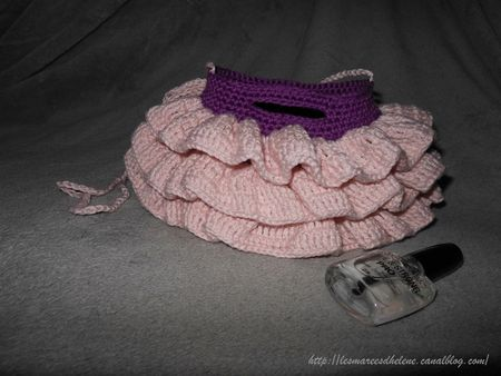 Mini Ruffled Bag crochet rose 02