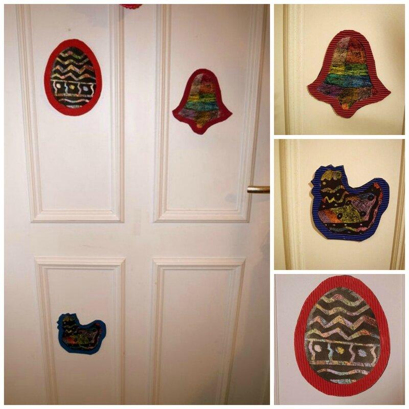 porte décorée pâques