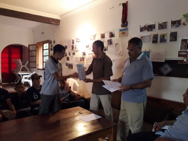Bader reçoit ses documents