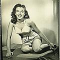 1945 - norma jeane mannequin pour maillots de bain
