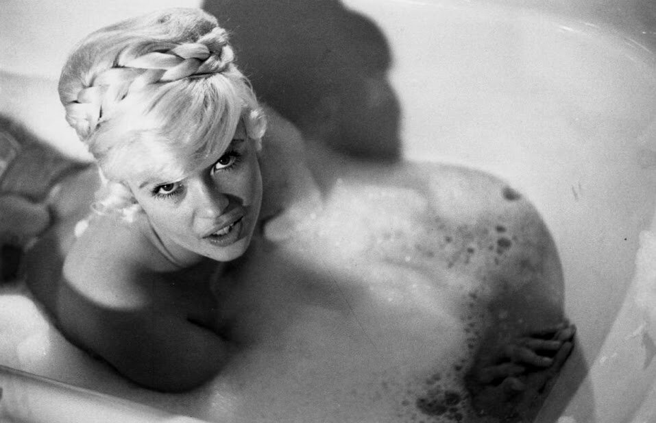 jayne-1960-portrait-bath-1-1