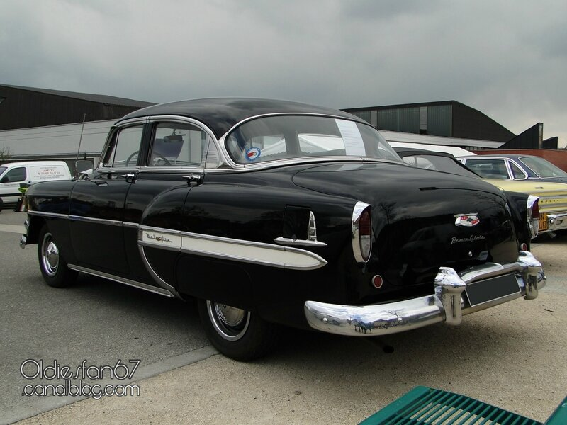 chevrolet-bel-air-sedan-1954-06
