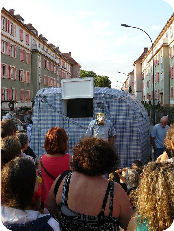 Quartier Drouot - Spectacle de rue Tleta30