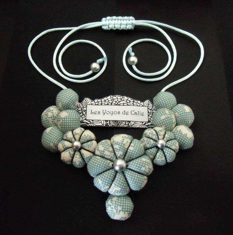 Collier fleurs potirons NAMIKO les yoyos de calie 1