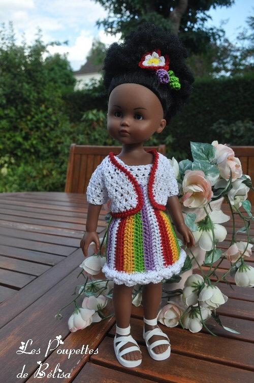 Des tenues pour poupées de 33 cm.