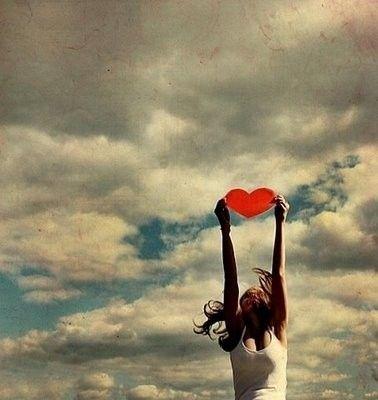 freedom_heart_sky
