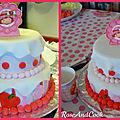 Le gâteau charlotte aux fraises en pâte à sucre {mon tout 1er vrai en pâte à sucre}