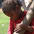 guerre en centrafrique : orphelin et solitaire, une enfance douloureuse d'un enfant peulh sous silence à bowaye