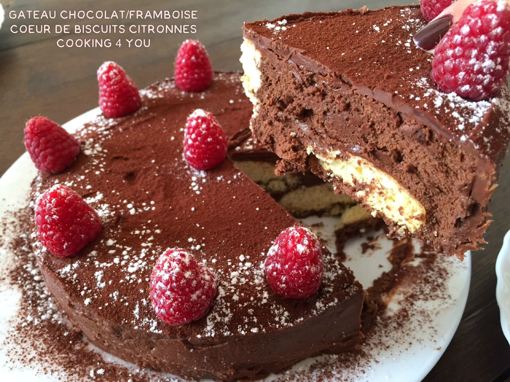 Gâteau au chocolat et Framboises, coeur de biscuits citronnés