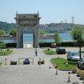 Porte d'un hôtel sur le Bosphore