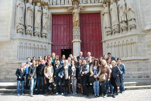 photo groupe porche cathédrale